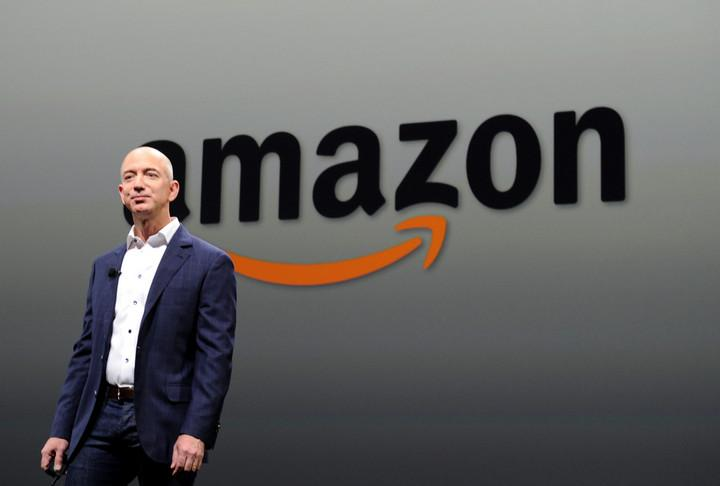 Jeff  Bezos - Amazon - 205 tỷ đô la (USD)