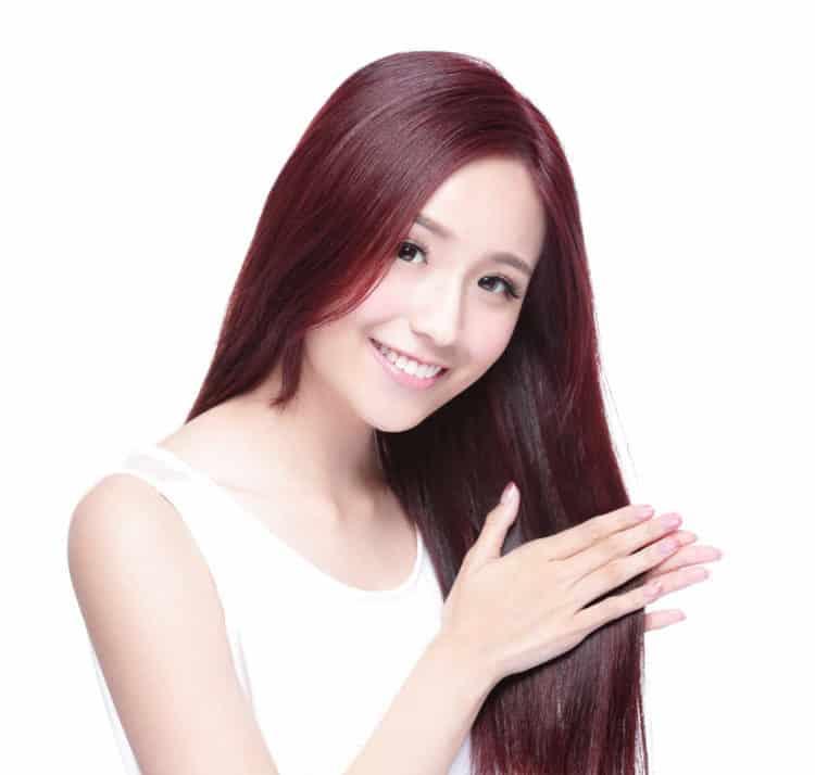 Nhuộm tóc như thế nào để màu được bền, không hư tóc?