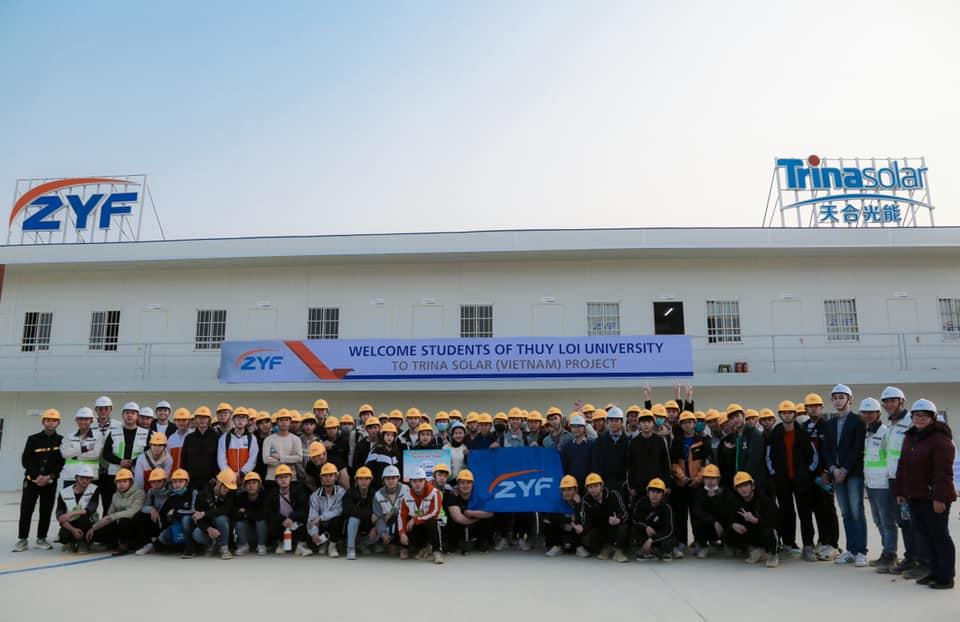 Sinh viên trường Đại học Thủy Lợi đến thăm quan dự án TrinaSOLAR Thái Nguyên