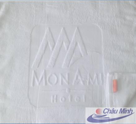 Khăn dệt logo Monami Hotel