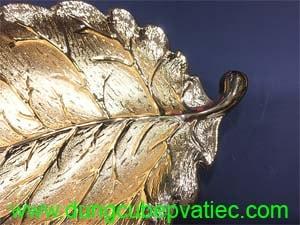 khay trưng bày trái cây 5 lá mạ vàng, tết nên tặng quà gì cho sếp