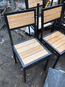 Ghế chân sắt gỗ xoan thanh lý giá rẻ mới