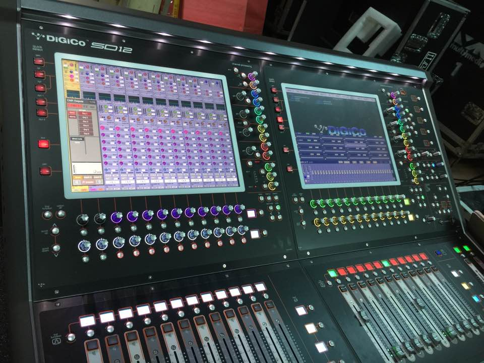 Mixer Console Digital (Digico SD12)