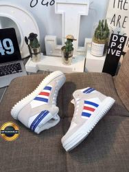 Giày thời trang đế bằng adidas 2019, Mã số BC2314