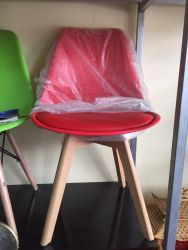 ghế J5 đỏ
