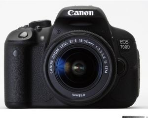 Canon EOS 700D kit EF S18-55mm IS STM .