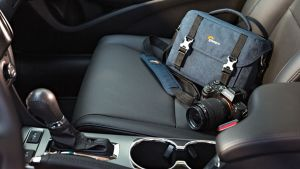 Túi máy ảnh Lowepro Scout SH100