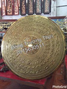 Mặt trống đồng gò tay thúc nổi - chất liệu đồng vàng, kích thước 1m