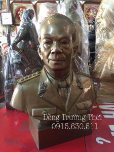 Tượng bán thân Ông Giap - chất liệu đồng đỏ cao 50 cm