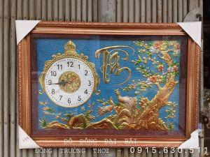 Đồng hồ chất liệu đồng vàng nguyên tấm, khung nhựa đài loan.