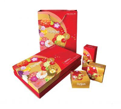 Hộp bánh Dạ Nguyệt (4 bánh x15g + 01 hộp trà 100g)
