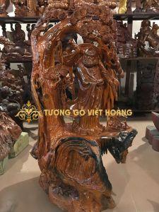 Đạt ma đứng gốc tùng-gỗ hương-120x70-x47