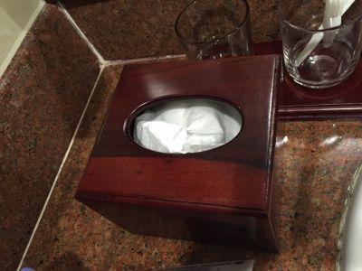 Hộp đựng giấy ăn khách sạn
