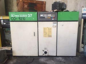 Máy nén khí trục vít không dầu Hitachi 37 kw