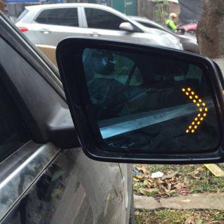 Gương xi nhan ô tô Mercedes Benz C