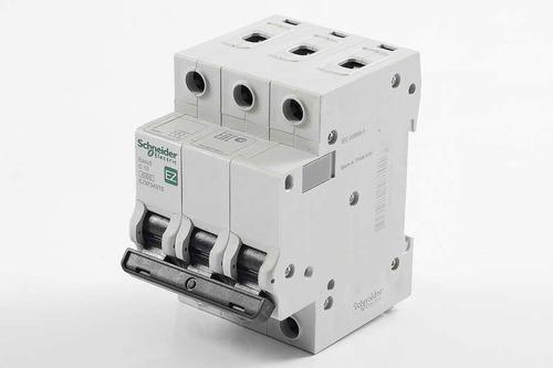 MCB Easy 9 3P ~ 400V, 16A/4.5kA