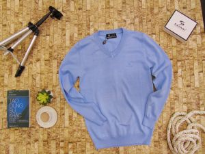 Áo len mầu xanh dương