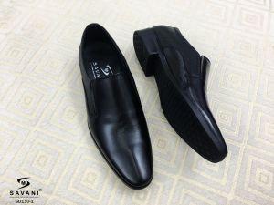 Giày đen viền gót