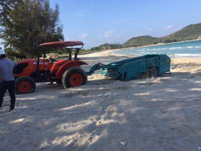 Bàn giao máy sàng cát làm sạch bãi biển Bình Tiên Golf and Resort