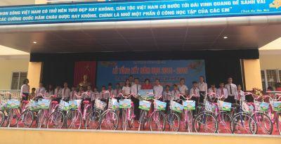 Hyundai Long Biên trao tặng xe đạp cho học sinh nghèo vượt khó Trường THCS Lệ Chi, Gia Lâm, Hà Nội