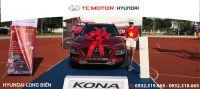 Hyundai Long Biên trưng bày xe KONA tại giải bóng đá 7 người toàn quốc 2020
