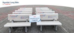 Hyundai Long Biên tặng Trường THCS Cao Bá Quát 10 chiếc ghế đá