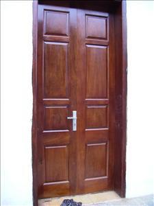 Khuân cửa gỗ 03