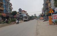 Cần bán gấp nhà phố Như Quỳnh ngay gần chợ Như Quỳnh.