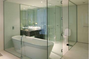 Cabin tắm + lan can kính
