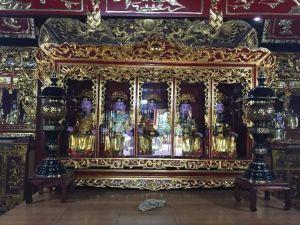 Gian thờ 27