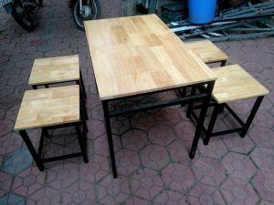 Bộ bàn ghế chân sắt gỗ cao su BGS4