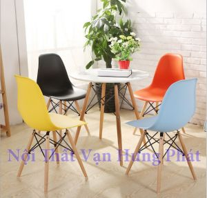 Bộ bàn ghế nhựa chân gỗ cafe Eames GN02
