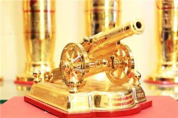 Pháo thần công bằng đồng mạ vàng 24k