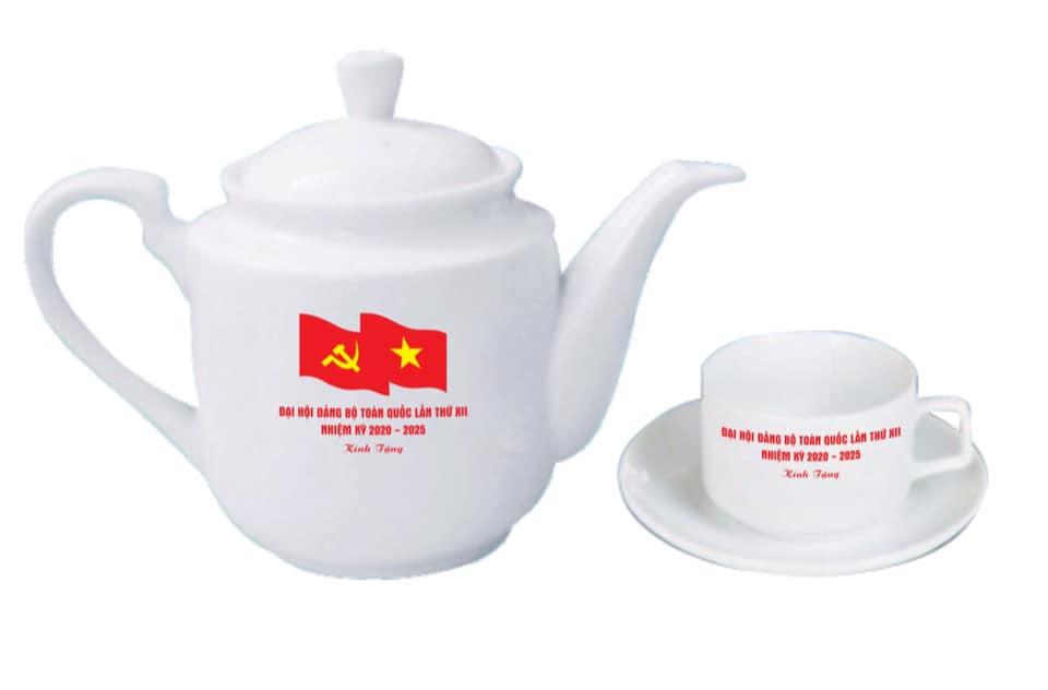 Bộ ấm chén Bát Tràng in logo Đại hội Đảng