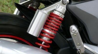 Cách kiểm tra giảm xóc và các dấu hiệu hư hỏng của xe máy