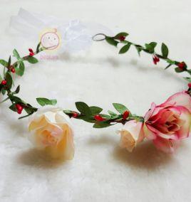 Vòng hoa cài tóc cho bé gái xinh xắn