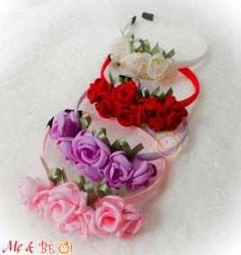 Cài hoa xinh xắn cho bé gái