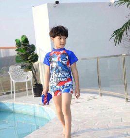 Đồ bơi bé trai kèm nón in hình siêu anh hùng