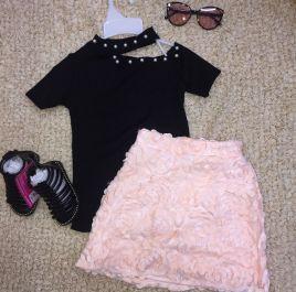 Set thiết kế áo đen váy hồng( nhí)