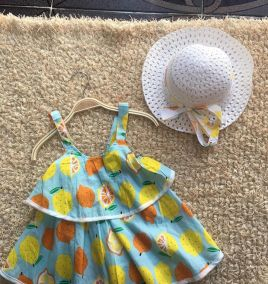 Set váy kèm nón cho bé gái