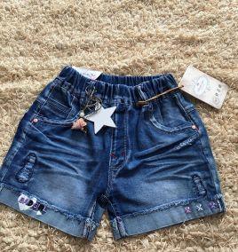 Quần short jean kèm móc hình ngôi sao
