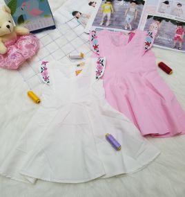Đầm xô thêu cho bé gái