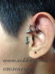 xỏ khuyên tai 3