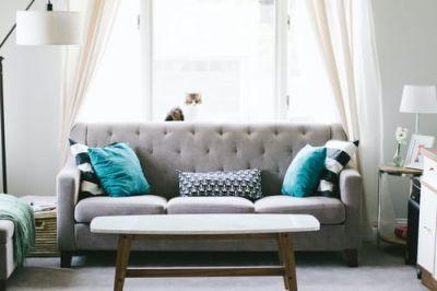 Cách trang trí phòng khách đẹp với ghế sofa