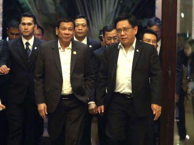 """Vệ sĩ Tổng thống Philippines tiêm vaccine COVID-19 """"nhập lậu"""""""