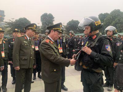 Thứ trưởng Bùi Văn Nam kiểm tra công tác đảm bảo an ninh, trật tự Đại hội XIII của Đảng
