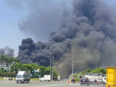 Cháy trong khu công nghiệp Sóng Thần ở Bình Dương