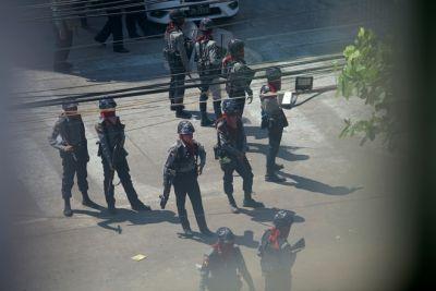 Lực lượng an ninh Myanmar lục soát từng nhà để tìm người biểu tình