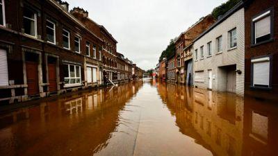 Hình ảnh thảm họa lụt lội tồi tệ ở  các nước Tây Âu làm hàng trăm người thiệt mạng