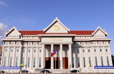 Việt Nam tặng công trình '4 nhất' cho Lào